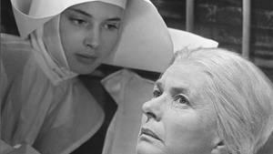 """Mutter und Tochter, Nonne und Nonne: An der Seite Ingrid Bergmans gab Isabella Rossellini (links) ihr Filmdebüt in """"A Matter of Time""""."""