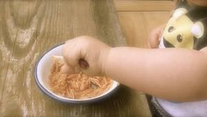 Mein Kind lernt essen oder: 3 x täglich Karneval