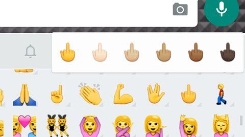 Das Mittelfinger-Emoji ist Teil der normalen Whatsapp-Tastatur