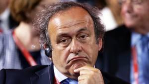 Michel Platini mit skeptischem Gesichtsausdruck