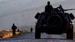Türkische Soldaten patroullieren in der südöstlichen Provinz Sirnak