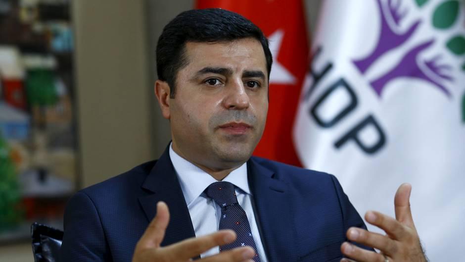 Selahattin Demirtas, Chef der pro-kurdischen Oppositionspartei der Türkei (HDP), bei einem Interview in Ankara