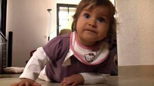 Die kleine Lena kam zur Welt, während ihre Mutter im Wachkoma lag.