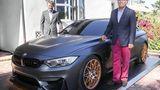 BMW M4 GTS Concept in Pebble Beach zusammen mit BMW-USA-Chef Willisch und Carsten Preis von der M GmbH