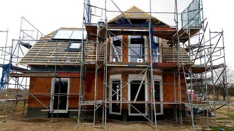 Ein Einfamilienhaus wird saniert