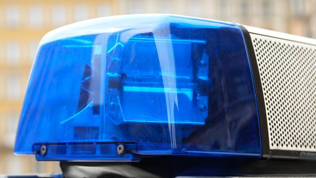 Ein Lkw-Fahrer wollte auf den A3 bei Neumarkt einem Unfallfahrer zu Hilfe eilen und wurde dabei überfahren.