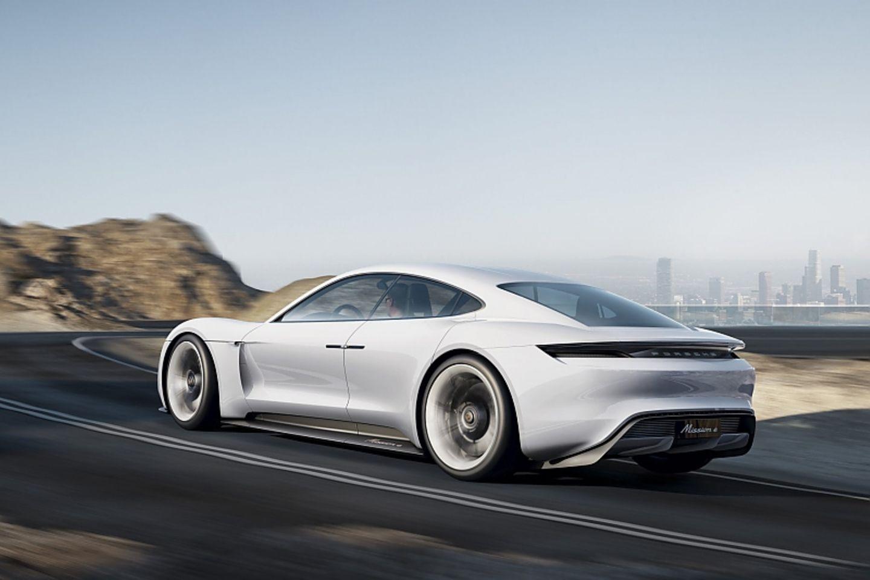 Porsche Misson E - mit 500 Kilometern Reichweite