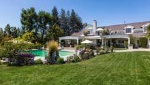 Die riesige Villa kostet 14,5 Millionen Dollar, umgerechnet etwa 13 Millionen Euro