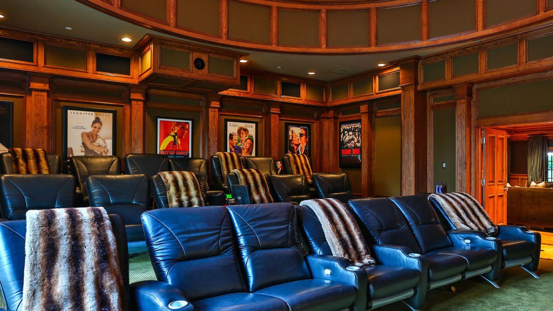 Das hauseigene Kino hat insgesamt 20 Plätze
