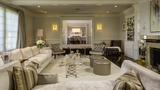 Die Villa verfügt über acht Schlafzimmer und elf Badezimmer