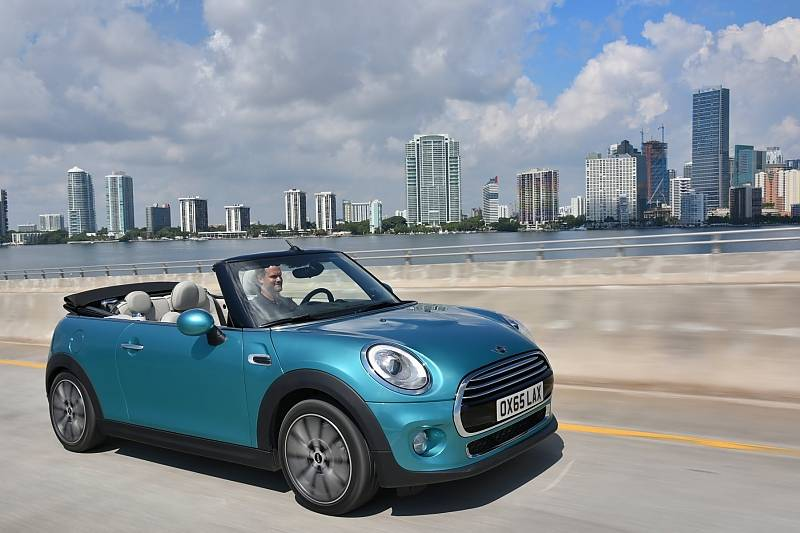 Mini Cabrio 2016 Union Jack Sternde