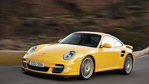 Der AMG-Kraftmeier hat zehn PS mehr als der Porsche Turbo (997) Baujahr 2010