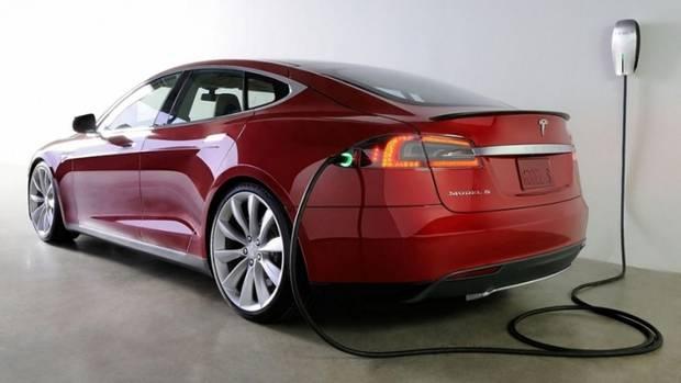 Die Leistungsfähigkeit der Batterie bremst das Tesla Model S ein