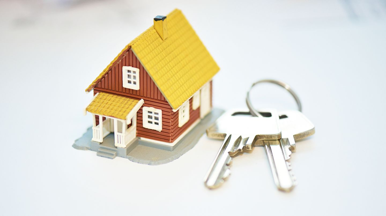 Eine Britin verkaufte das gemeinsame Haus, während ihr Mann auf Dienstreise war. (Symbolbild)