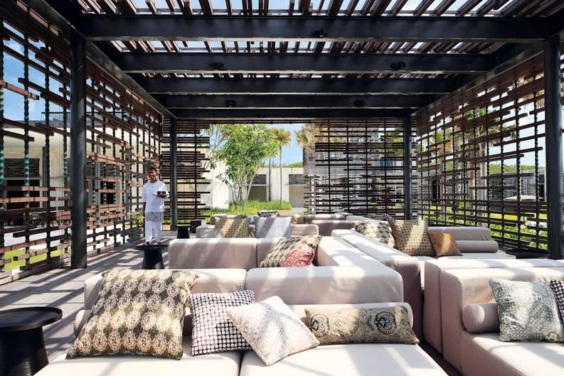 Lounge mit Sofas