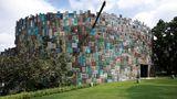 Die bunte Fassade von 2500 Quadratmetern