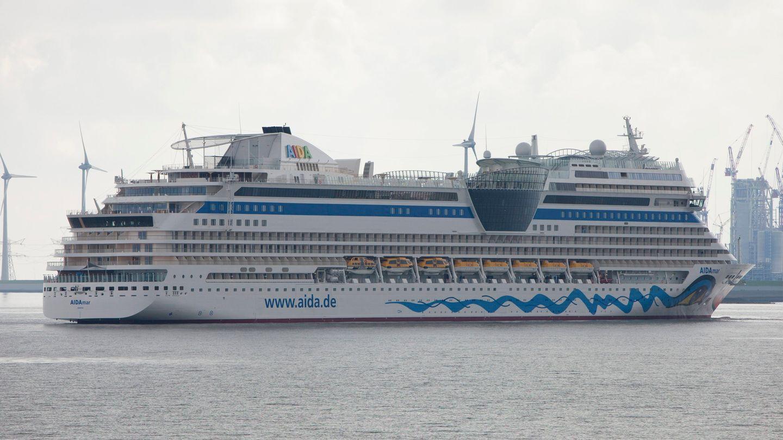 Das Kreuzfahrtschiff AIDAmar auf der Em