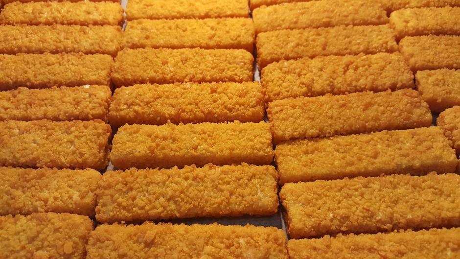Fischstäbchen im Test: Können die Aldi-Produkte mit Iglo mithalten?