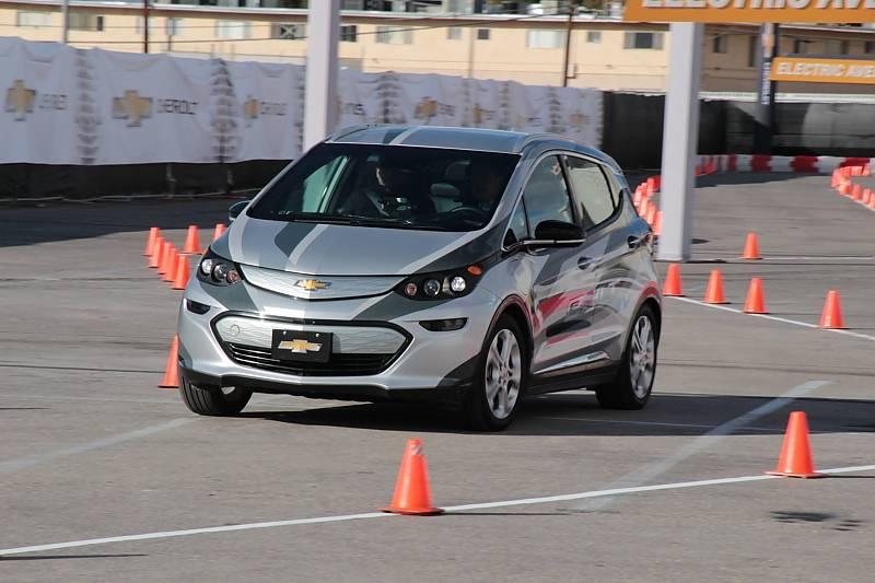 Chevrolet Bolt EV in flotter Fahrt