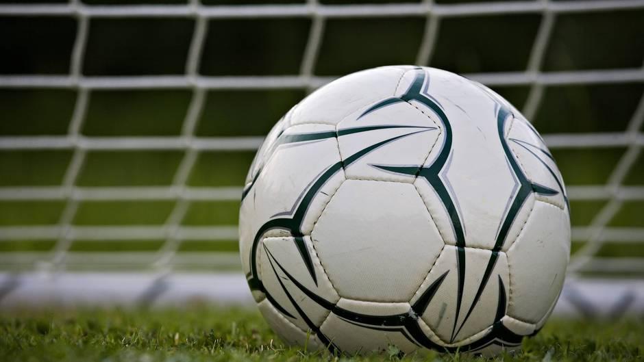 Bei einem Fußball-Turnier der E-Jugend kam es am Wochenende zu einer Prügelei