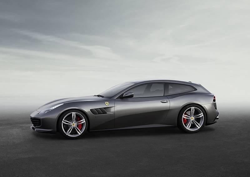 Ferrari GTC 4 Lusso - 4,92 Meter lang
