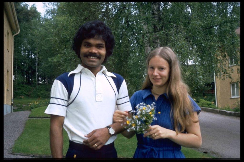Die lange Radtour hat sich gelohnt: PK Mahanandia und Charlotte von Schedvin frisch verheiratet