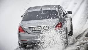 Mercedes Fahrertraining für Panzerlimousinen - die Fahrzeuge wiegen zwischen 4,0 und 4,5 Tonnen