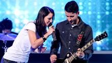 Christina Stürmer auf der Bühne mit ihrem Freund Oliver Varga