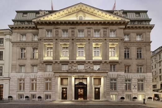 Fassade des Luxushotels Park Hyatt Vienna