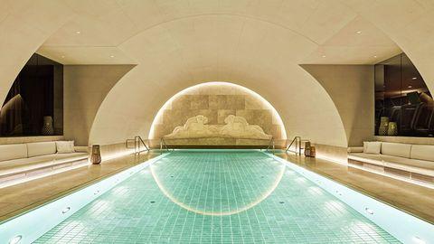 Der 15 Meter lange Pool im ehemaligen Tresorraum im Park Hyatt Vienna