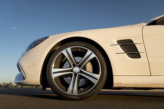 Mercedes SL 400 - die Front hat deutlich gewonnen