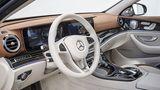 Mercedes E 220d - luxuriöses Cockpit