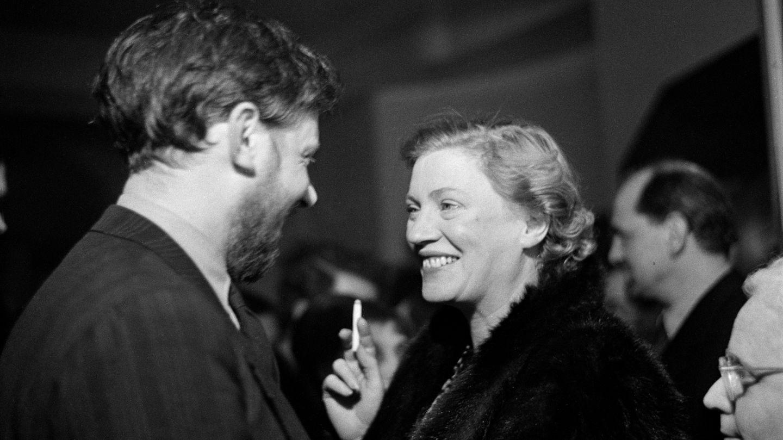 Lee Miller 1950 in London anlässlich einer Picasso-Performance