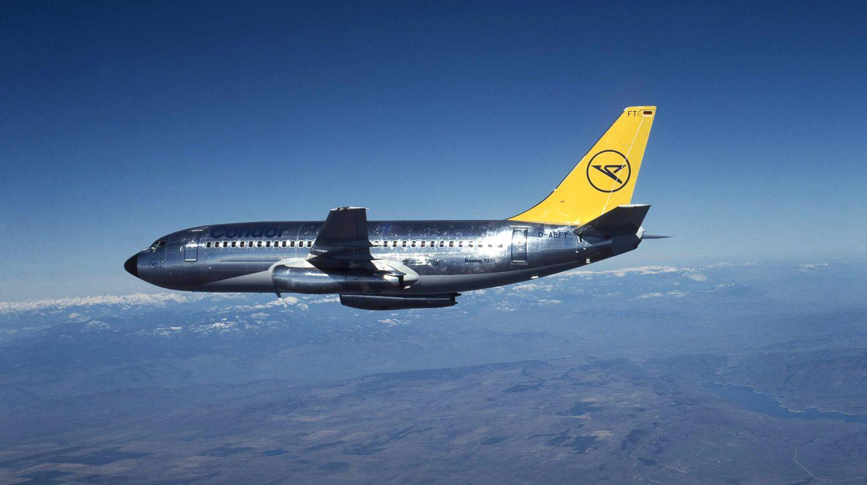 Silbern glänzender Aluminium-Rumpf: Die Boeing 737-230 flog von 1981 bis 1988 für Condor