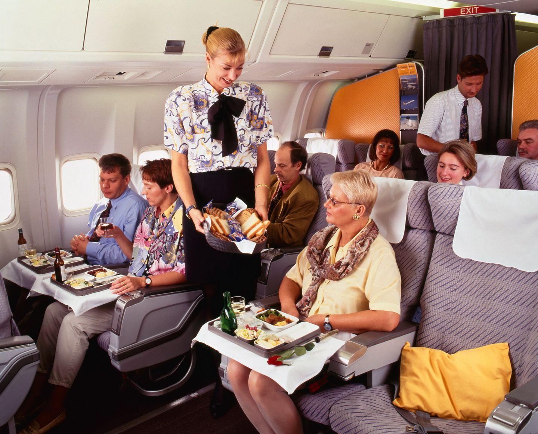 1991 führte Condor als erste Ferienfluggesellschaft eine Business Class ein, die sie damals Comfort Class nannte. Dort gab es bessere Sitze und eine größere Speisen- und Getränkeauswahl.