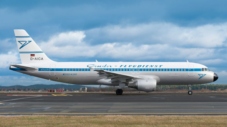 Zurück in die Zukunft: Einer der neueren Airbus A320 fliegt im Retrolook durch Europa und nimmt den Schriftzug und das Logo aus den Anfängen der Condor wieder auf.