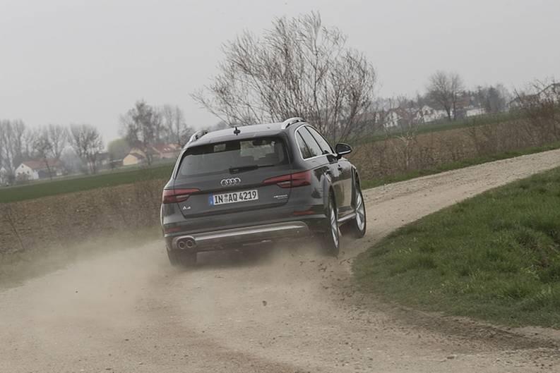 Der Allradantrieb hilft mit Bremseingriffen bei der Kurvenfahrt