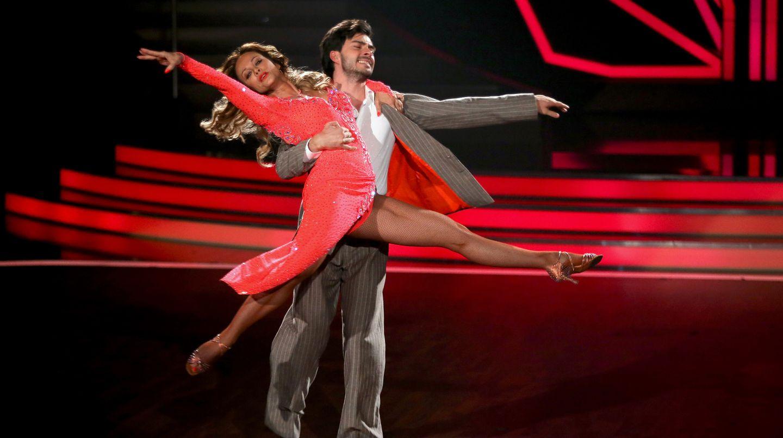 Sonja Kirchberger und Ilia Russo bei Let's Dance