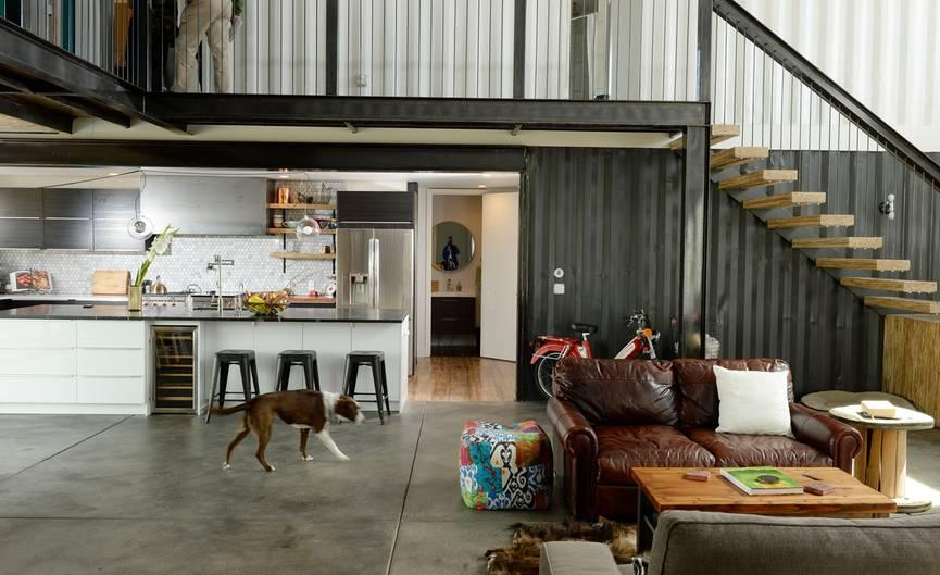 Recycling zum Wohnen: Pärchen baut Luxus-Haus aus Containern ...