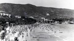 Sprung in das Jahr 1967 nach Port de Sóller: In der Sommersaison herrscht am Strand bereits Hochbetrieb