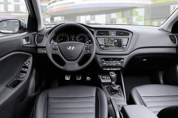 Das Cockpit des Hyundai i20 Active.