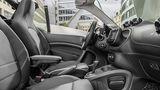 Ein Blick ins Cockpit des Smart Brabus Cabrio.