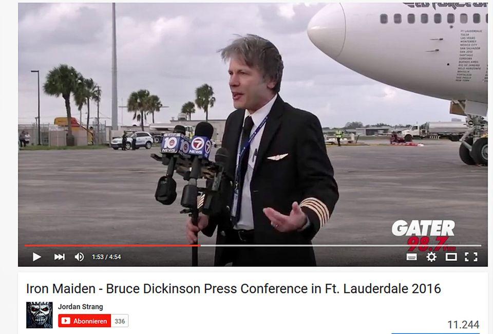Follow Me: Bruce Dickinson bei der Pressekonferenz in Fort Lauderdale © Screenshot