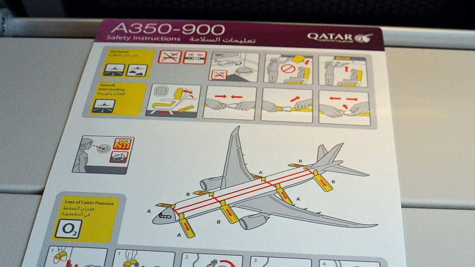 Follow Me: Notausstiegsanleitung an Bord der A350-900 © Till Bartels