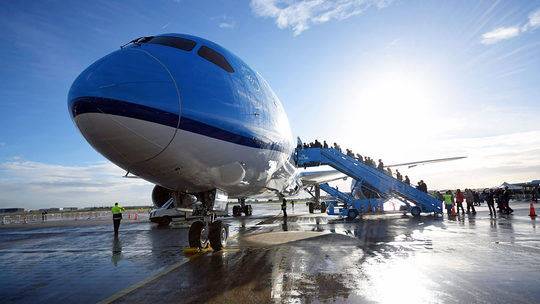"""Follow Me: Boeing 787-9: Mit der """"Sonnenblume"""" im Tiefflug über der Nordsee"""