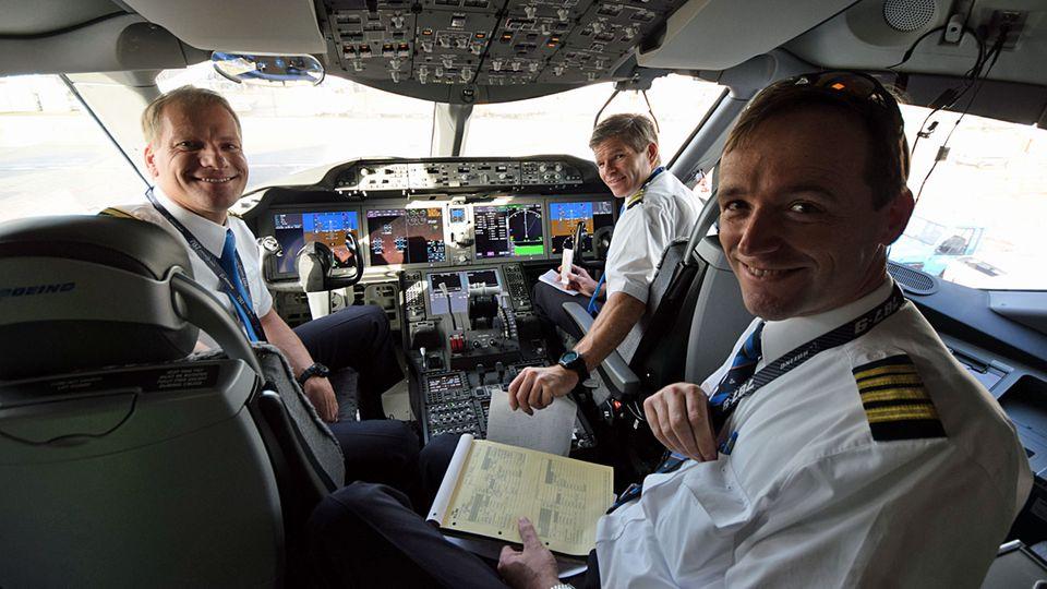 Follow Me: Umgeschult auf die 787-9: die Flugkapitäne Harold van den Pol und Wido de Wilde © Till Bartels