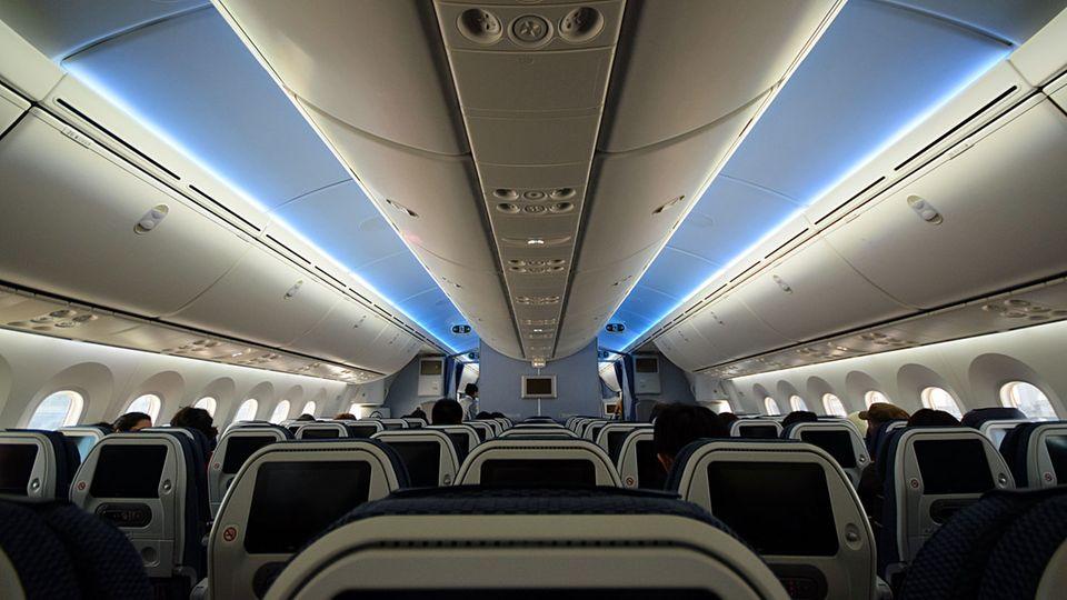 Follow Me: Der Flugzeughimmel leuchtet per LED © Till Bartels