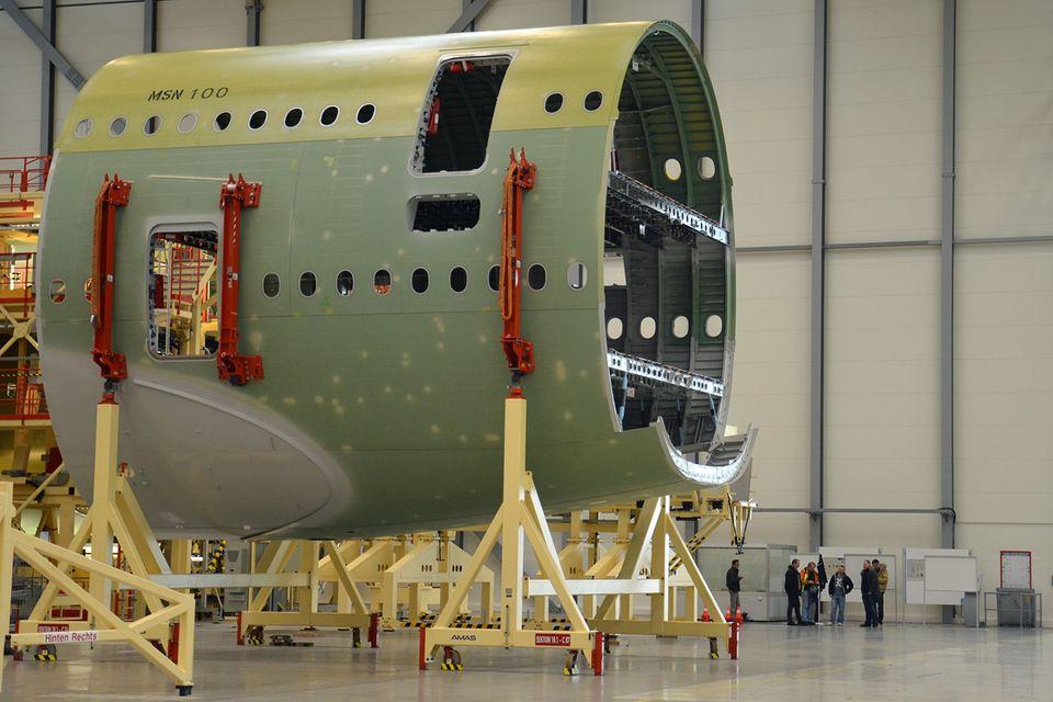 Follow Me: Teile des A380-Rumpfes werden in Hamburg-Finkenwerder produziert. © Till Bartels