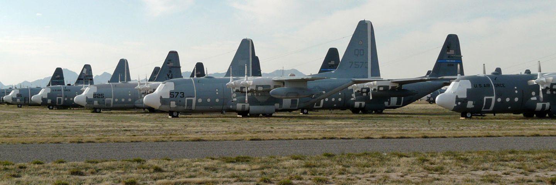 Follow Me: Flugzeuge auf der Wüsten-Schlachtbank