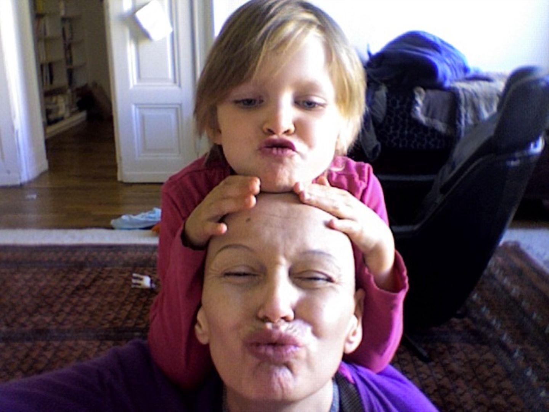 Oben ohne: Wie sag ich's meinem Kind: Mami hat Krebs!